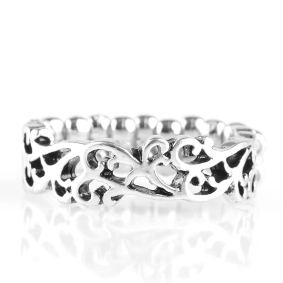 Silver stretchy ring